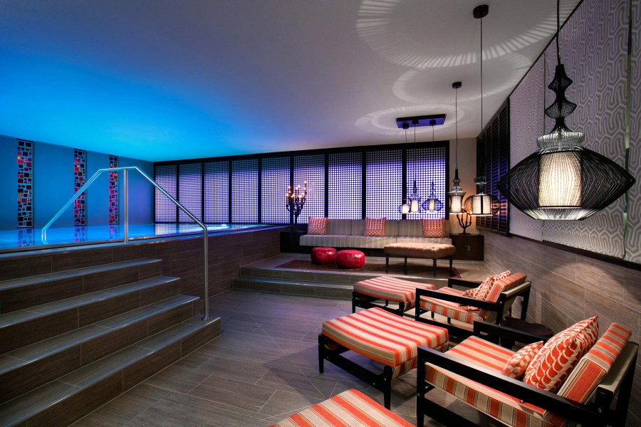 Palais Hansen Kempinskin sviitti ja pienemmätkin huoneet tarjoavat uudenaikaista luksusta. Hotellissa on myös oma spa.  © Palais Hansen Kempinski