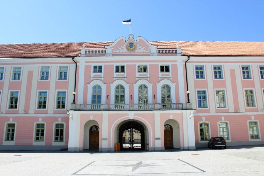 Viron tasavallan Riigikogu on yksikamarinen ja jäseniä on 101. © tripsteri.fi / Veera Marjamaa