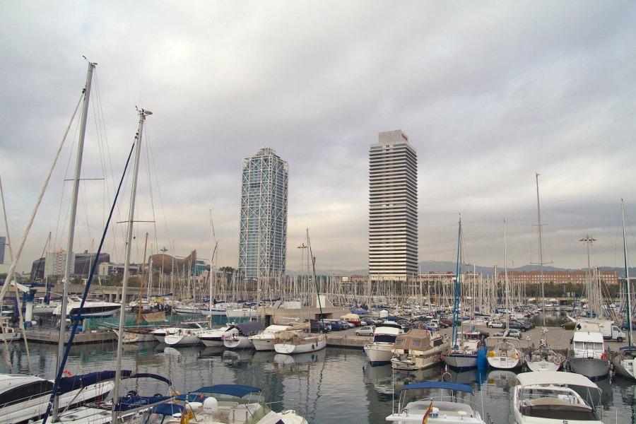 Port Olímpic ja Barcelonan kaksoistornit © tripsteri.fi / Tuulia Kolehmainen