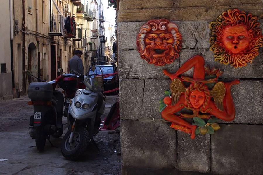 Sisilian kolmijalkainen symboli © Rich Dad Education Flickr CC