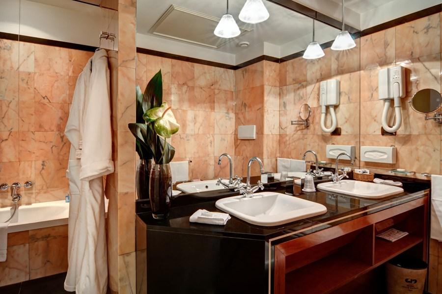 Pramea kylpyhuone © Delle Nazioni