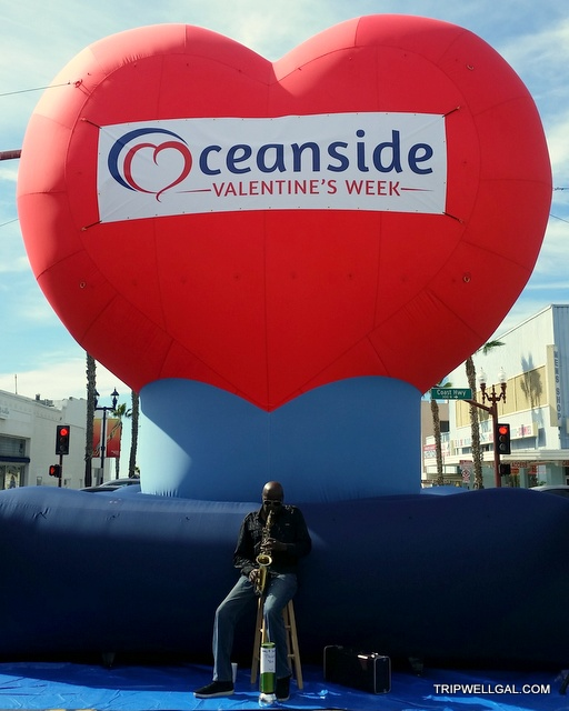 Oceanside heart balloon at the Farmers Market