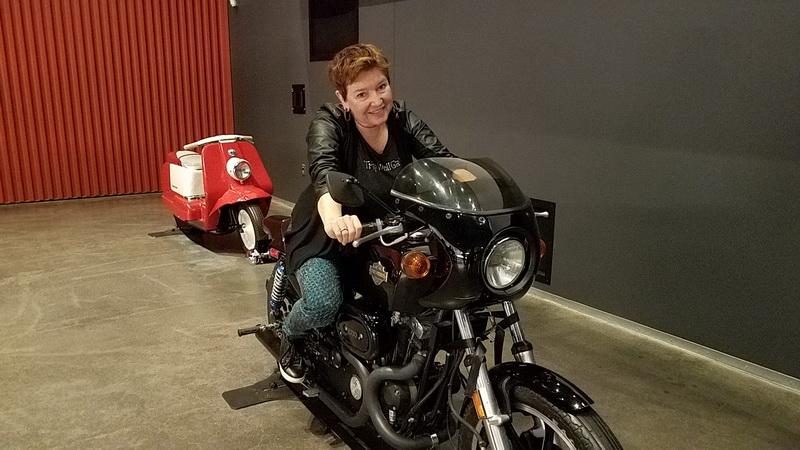 Elaine motorcycle Harley Davidson