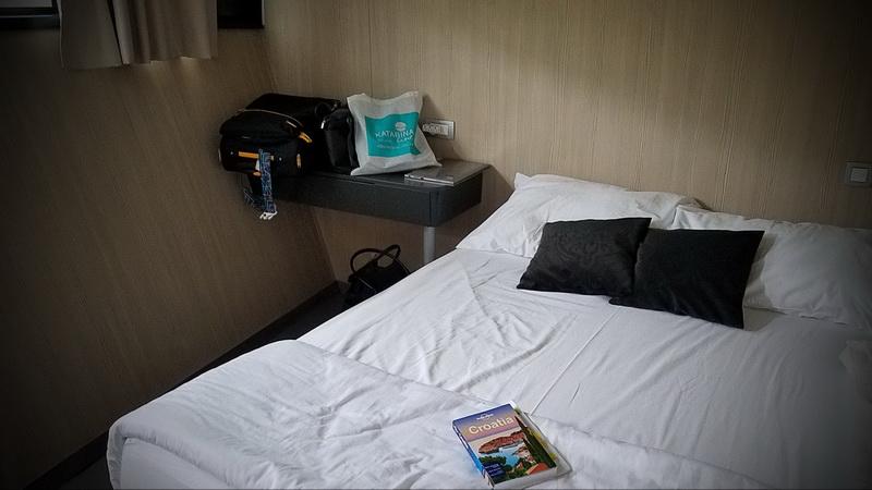 Full bed Katarina Line