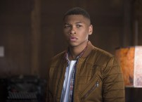 """DC's Legends of Tomorrow -- """"Pilot, Part 1"""" Pictured: Franz Drameh as Jefferson """"Jax"""" Jackson -- Photo: Diyah Pera/The CW © 2015 The CW Network, LLC. All Rights Reserved."""