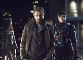 """DC's Legends of Tomorrow -- """"Pilot, Part 1"""" Pictured (L-R): Arthur Darvill as Rip Hunter and Brandon Routh as Ray Palmer/Atom -- Photo: Jeff Weddell/The CW © 2015 The CW Network, LLC. All Rights Reserved."""