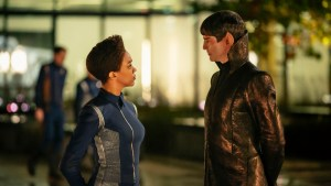 Star Trek: Discovery Exec Producer Alex Kurtzman Offers A Small Crumb For Season Two