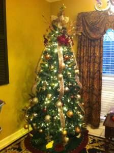white lights on a Christmas tree