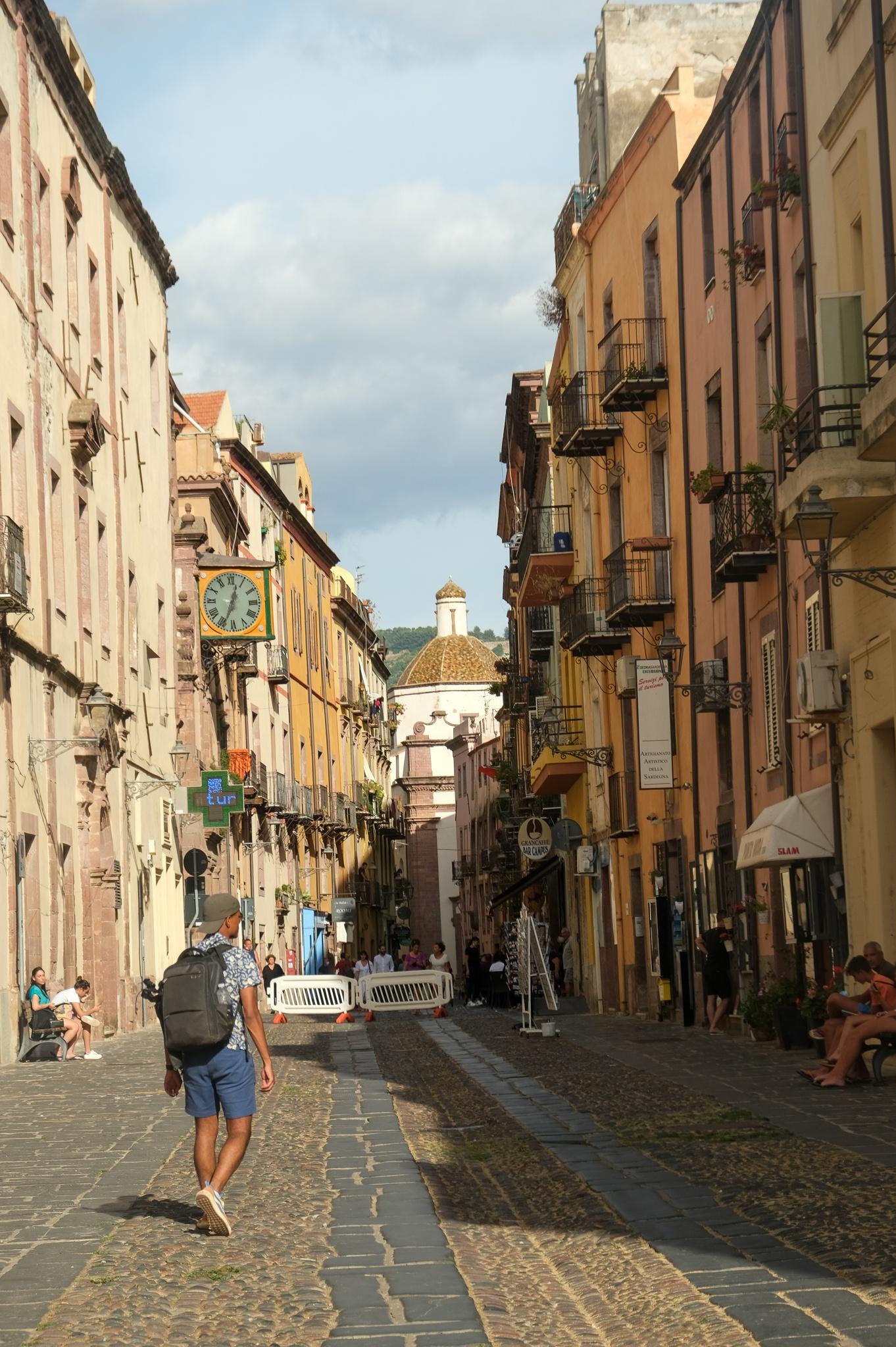 La ville de Bosa en Sardaigne