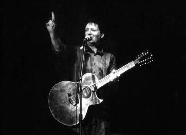 Glenn Tilbrook points out how many gigs Triskel have done! The Venue Pic © Trevor Burgess