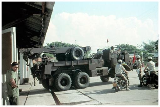 Kraanwagen-Daf-616-na-parade-1969