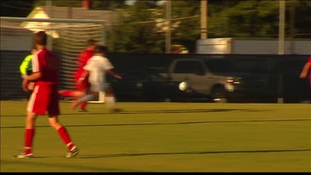 Memorial Boys Soccer Beats Mater Dei_20150825173027