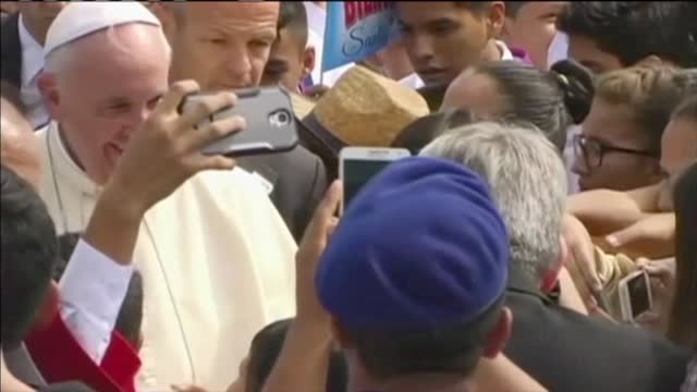 One Couple-s Special Connection to the Pope_20150920223411-60044163