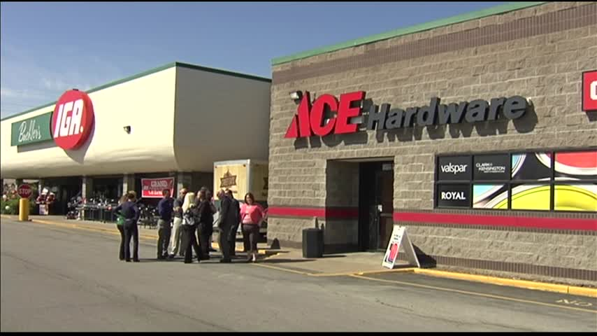 Ace Hardware Store Opens_14898129-159532