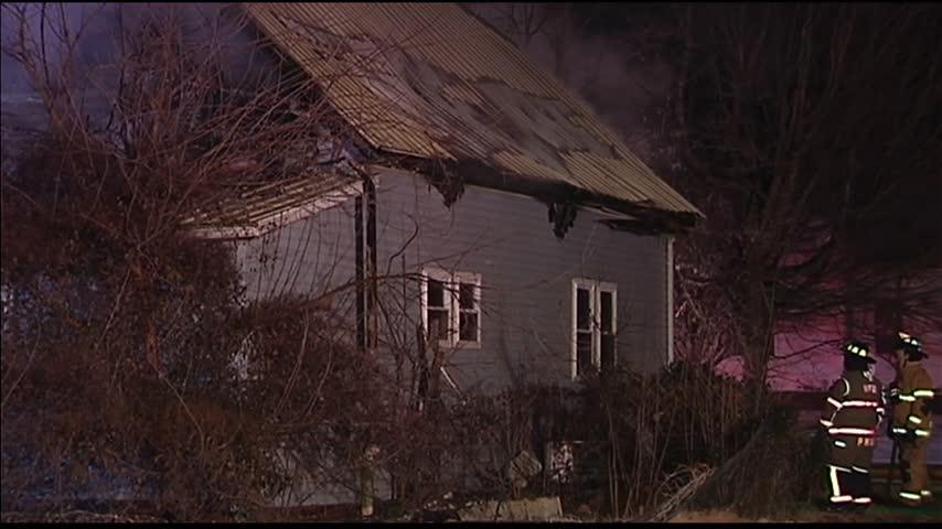 Crew Battle Poseyville House Fire_55210820