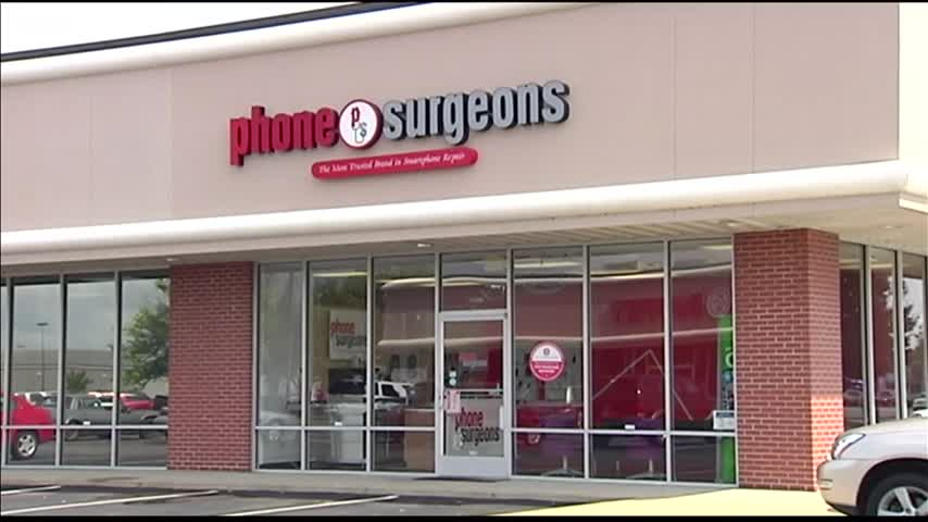 Evansville Phone Repair Business Faces Eviction_43749887