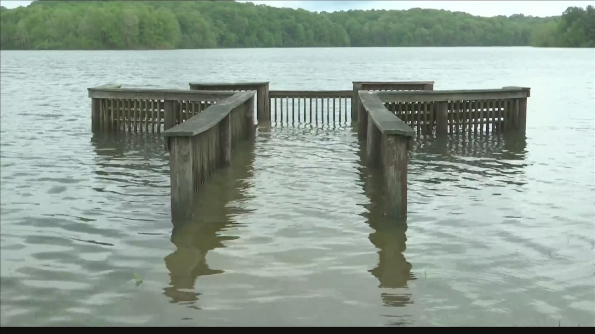 Efforts_to_lower_Patoka_Lake_to_continue_0_20190503230957