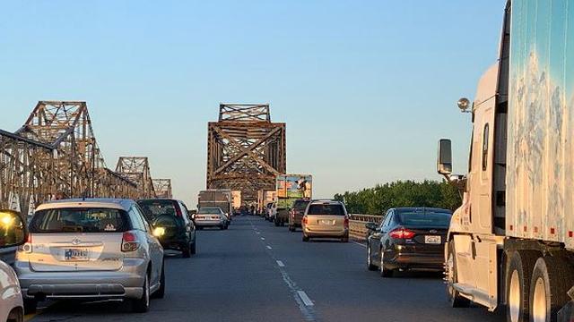 traffic backup twin bridges_1557348102161.jpg.jpg