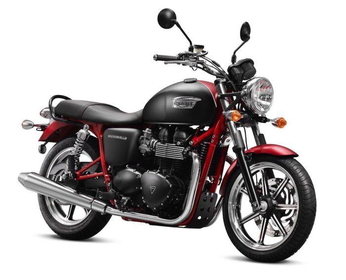 2013-Triumph-Bonneville-SE3