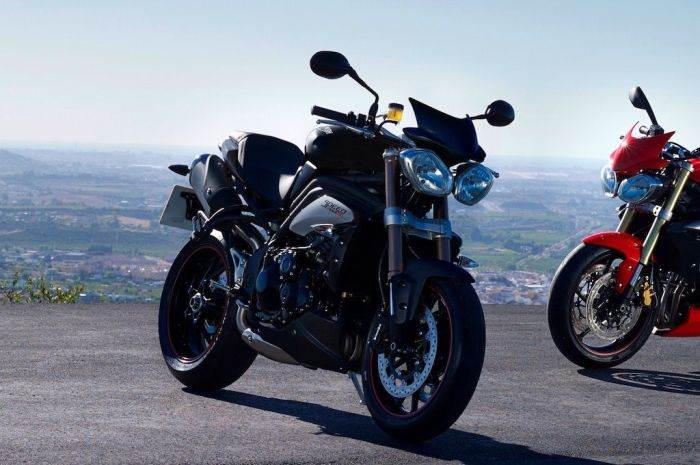MY16_StreetTriple_wheels - copie