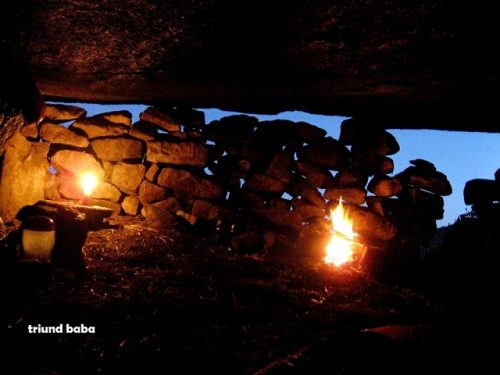 Camp fire in Lahesh Cave