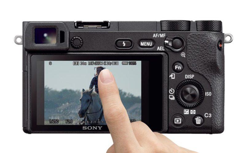 Alpha 6500 Sony avec écran tactile pour la mise au point