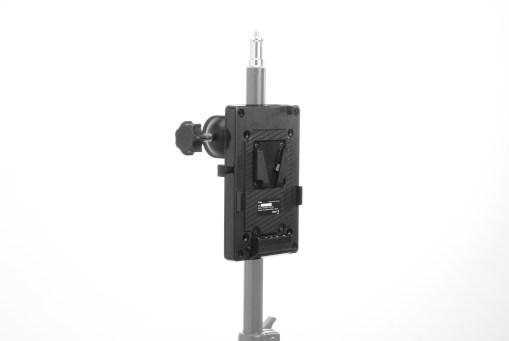 Fiilex FLXA080 - support V-Mount avec clamp