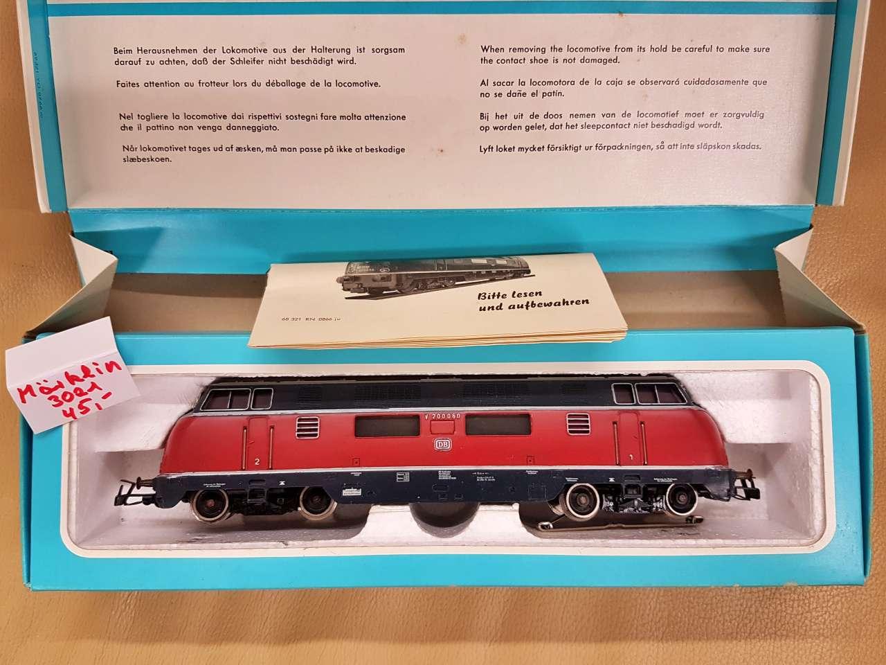 Märklin Modelleisenbahn Sammlerstücke neuwertig Lok 3021