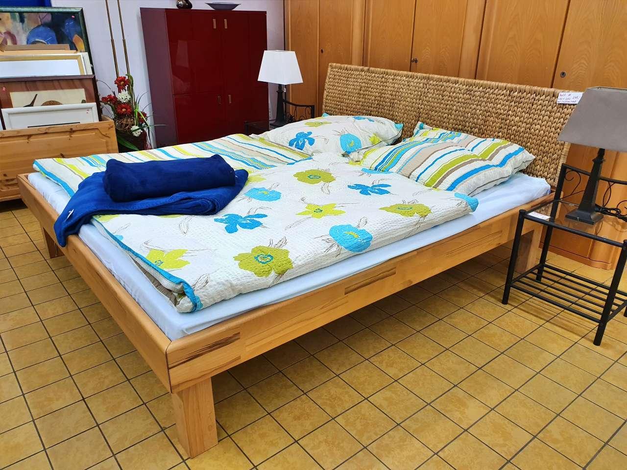 Doppelbett Holz Rattan