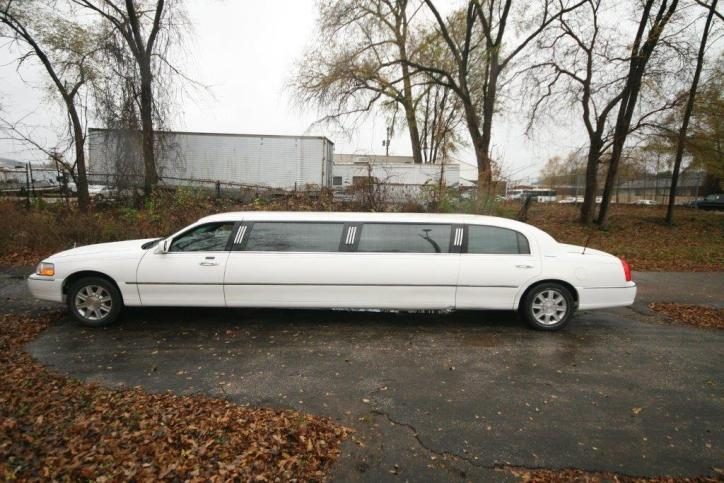 TLC 2007 120 Federal Stretch Limo - 10 passenger