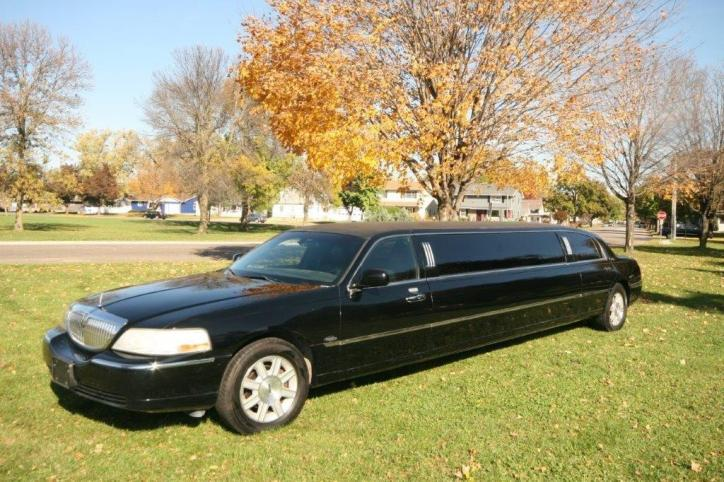2009 Limo Lincoln Town Car 120