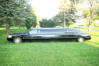 2011-Lincoln-Town-Car-Limousine-120-Long-door-10-pass-Limo-Coach-02
