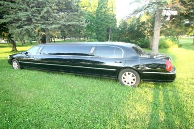 2011-Lincoln-Town-Car-Limousine-120-Long-door-10-pass-Limo-Coach-05
