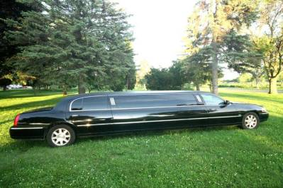 2011-Lincoln-Town-Car-Limousine-120-Long-door-10-pass-Limo-Coach-06