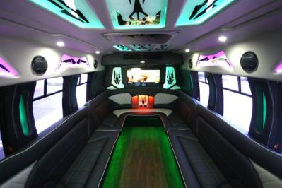 Limo-Bus-22-Passenger-Party-Bus-no10-23