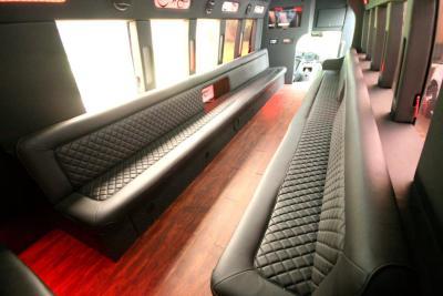 limo-coach-22-passenger-TT-39-08