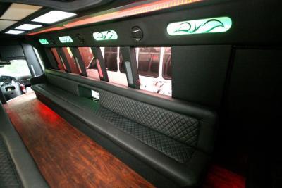 limo-coach-22-passenger-TT-39-10