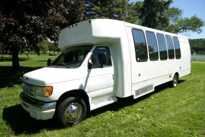 limo-coach-22-passenger-TT-39-15