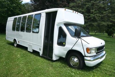 limo-coach-22-passenger-TT-44-18