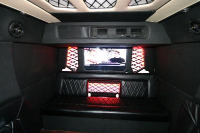 limo-coach-22-passenger-TT-44-9