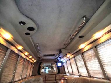1999-Krystal_Limo_Bus-24-Passenger-11