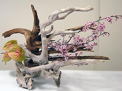 nét đặc trưng của phong cách cắm hoa Ikebana