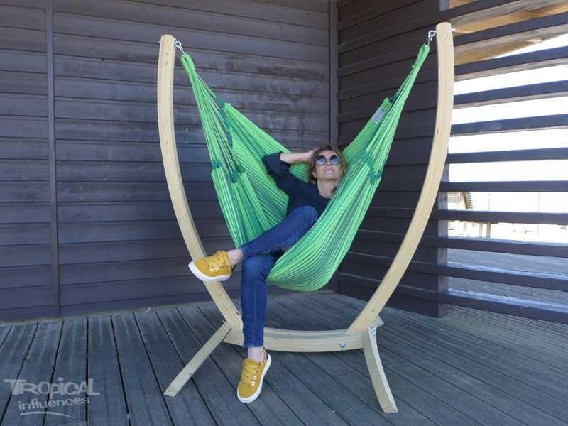 chaise hamac avec support en dominante de vert un ensemble durable