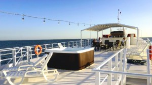 Diving Tour in Gardens of the Queen with Avalon III super yacht with jacuzzi