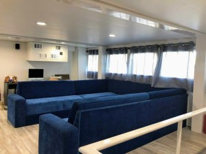 Yacht Avalon III living room cabin