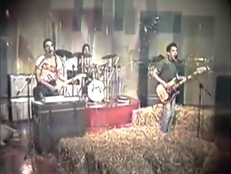 Esta es la primera banda de punk de Colombia