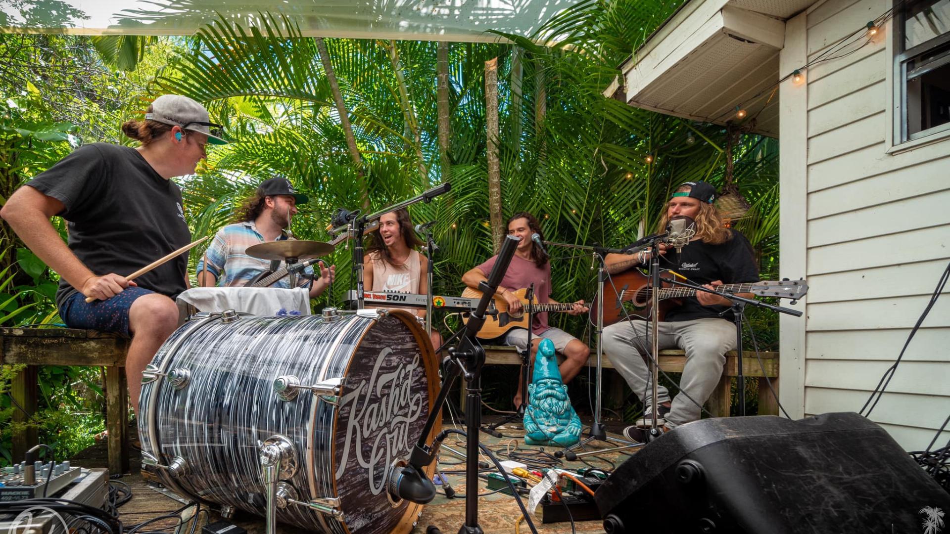 Kash'd Out, banda de Reggae/ska de Orlando, FL en Tropical Punk Records