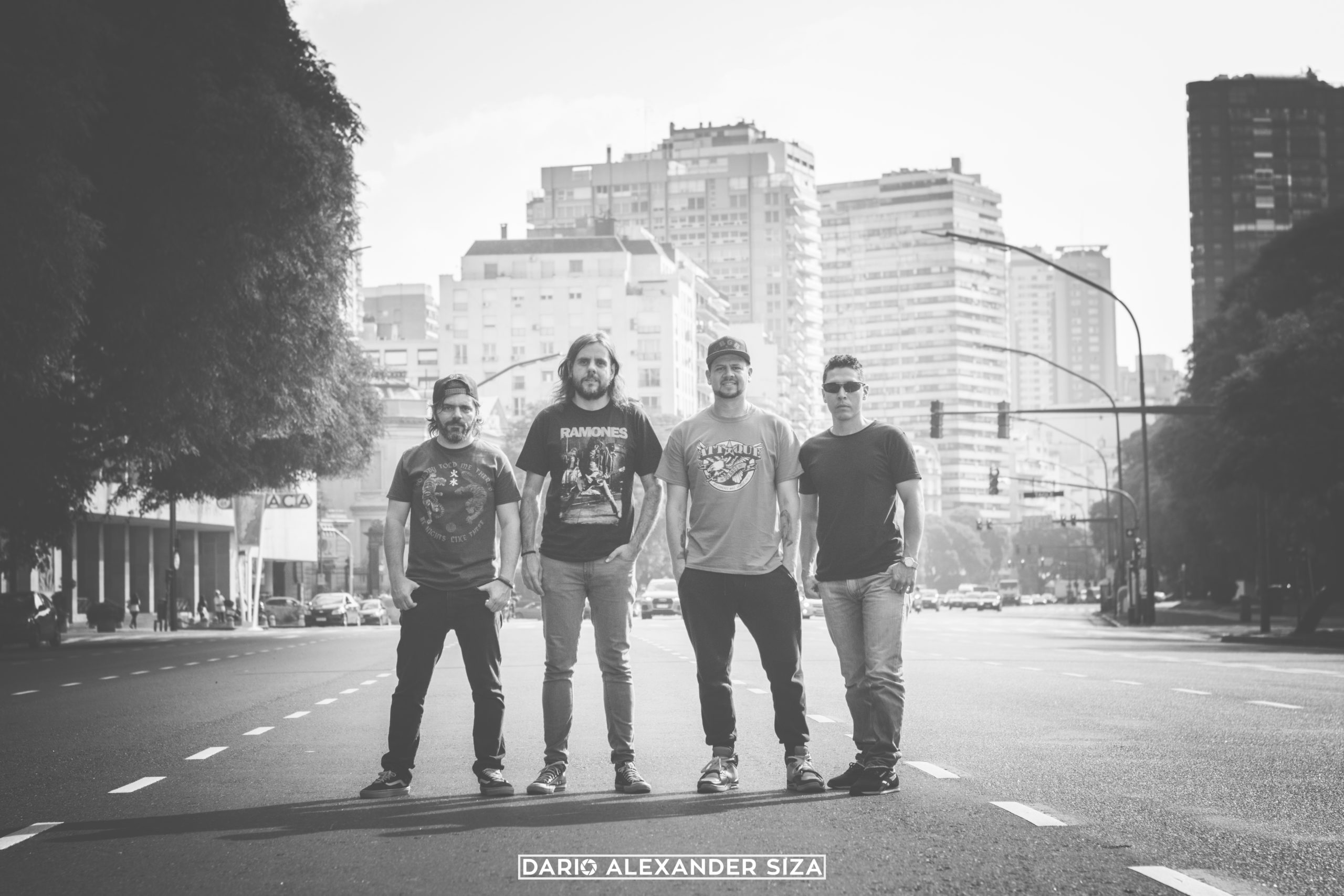 Tr3s de CoraZón, banda de Punk Rock de Medellin, Colombia en el episodio 52 de El Poste del Neo Travel Cast, un podcast de Tropical Punk Records