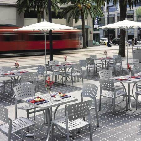 Impressions Cafe   Tropitone outdoor restaurant furniture