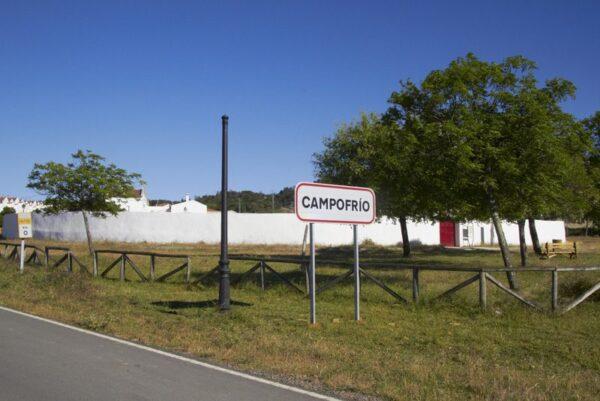 PLAZA DE TOROS DE CAMPOFRÍO